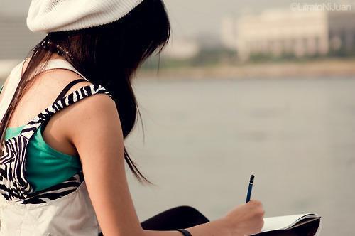 Escrever sobre suas angústias, sonhos, desejos é forma de se conhecer e cuidar de si mesmo