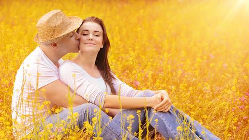 casal_feliz_dedicacao